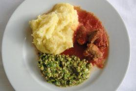 Ragoût d'agneau à la sauce tomate et à l'okra