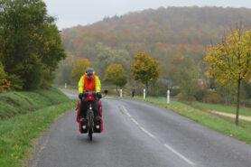 Une année de voyage avec vélo, tente et réserve d'insuline